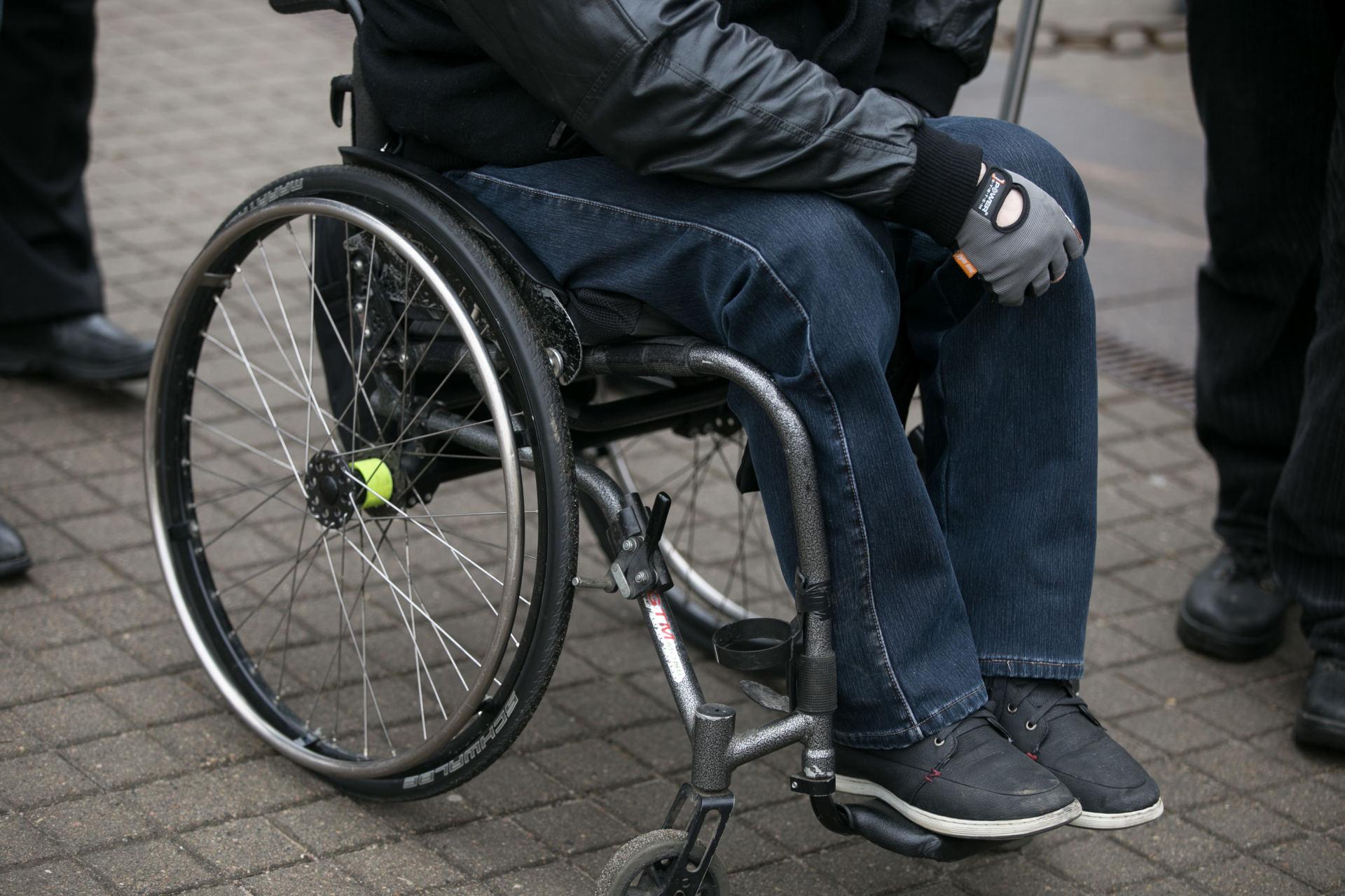 kaip negalią turintis žmogus gali užsidirbti