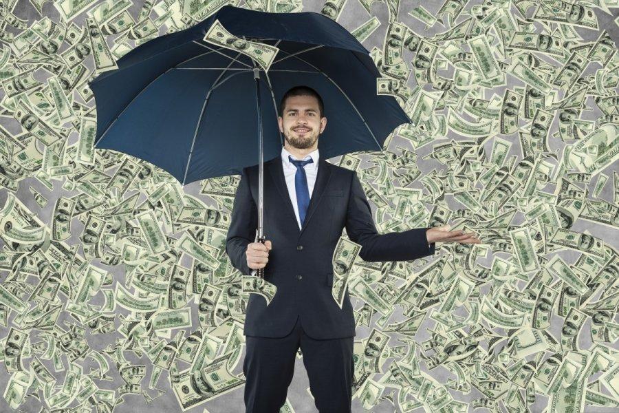 kaip turtingi žmonės uždirba pinigus)