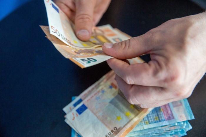 greiti pinigai tropke)