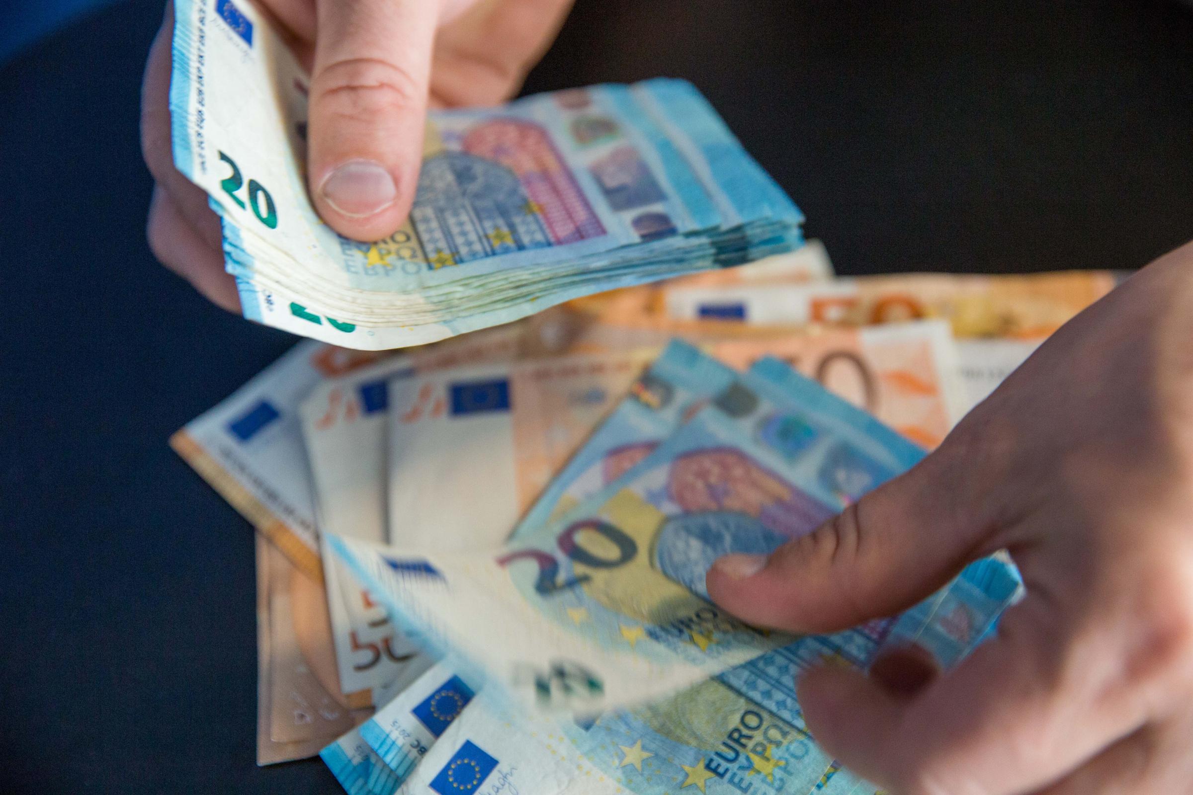 Kas uždirba pinigus krizėje Kas yra ekonominė krizė?