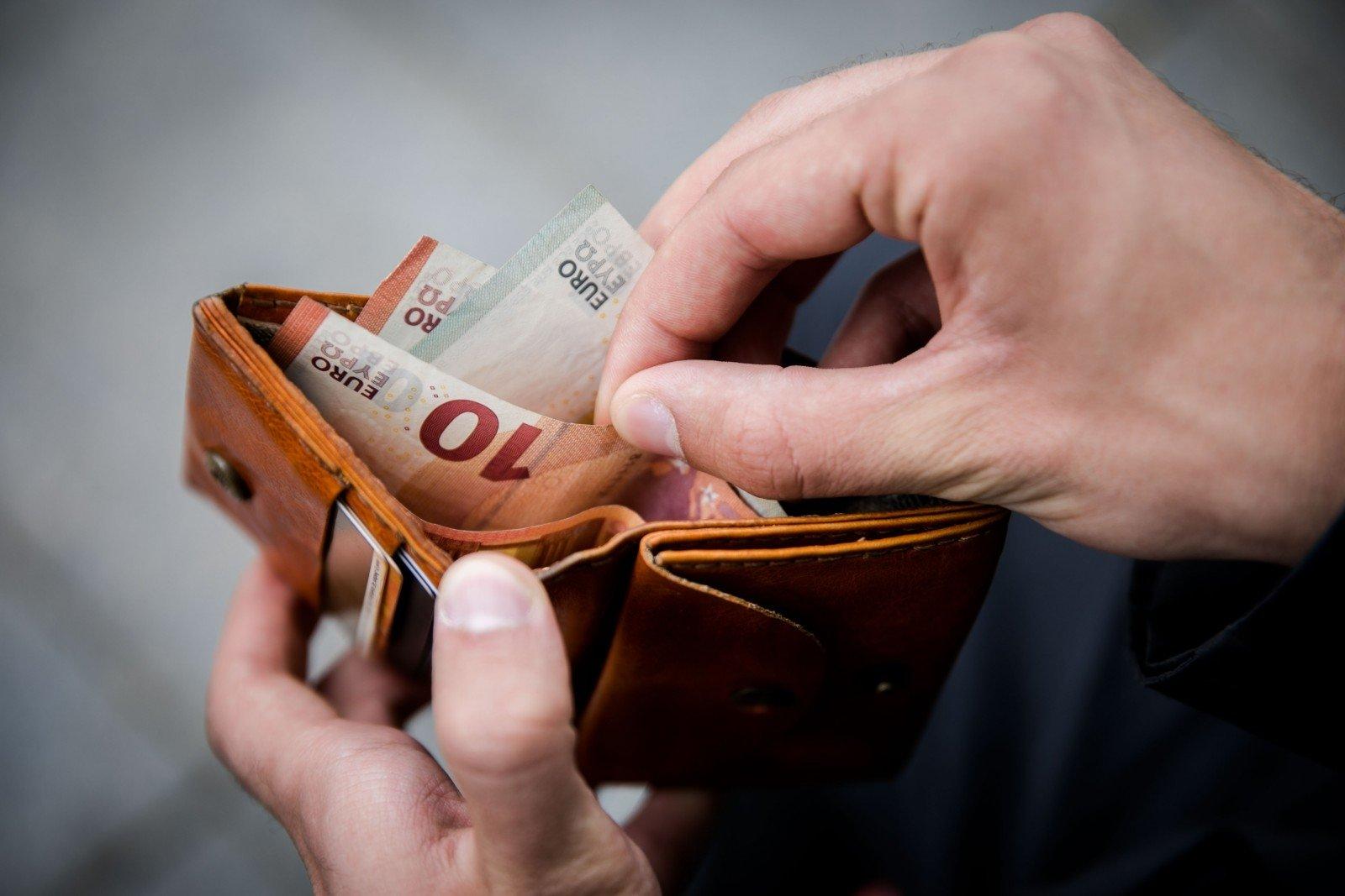 """""""Santaka"""" / Pigūs pinigai – galimybė verslui atsilaisvinti diržus / Verslas"""