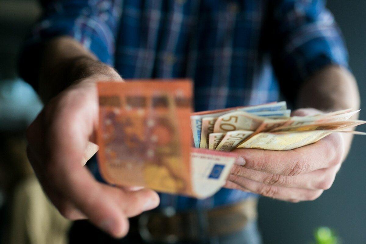 kaip galima užsidirbti be indėlio kaip užsidirbti pinigų su 50
