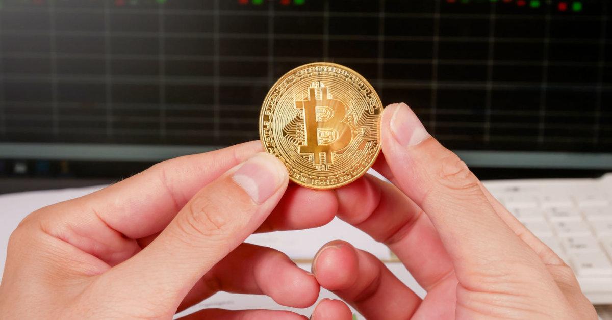vietinis bitkoinas krito