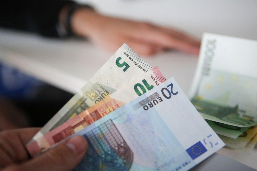 Uždirbti didelius pinigus internete - Kiek iš tikrųjų galima uždirbti internete