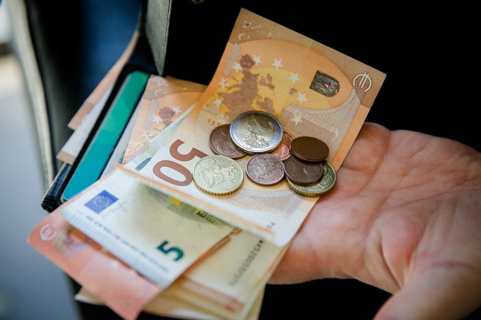 kaip pasiekti finansinę nepriklausomybę bitkoinų piniginių platinimas