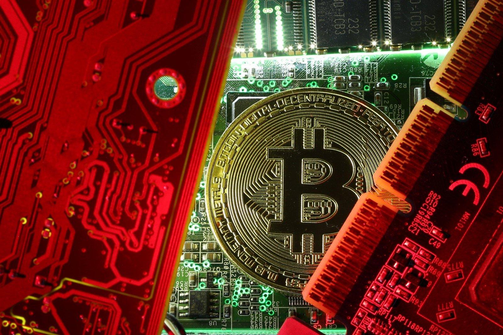 bitkoinų apyvarta)