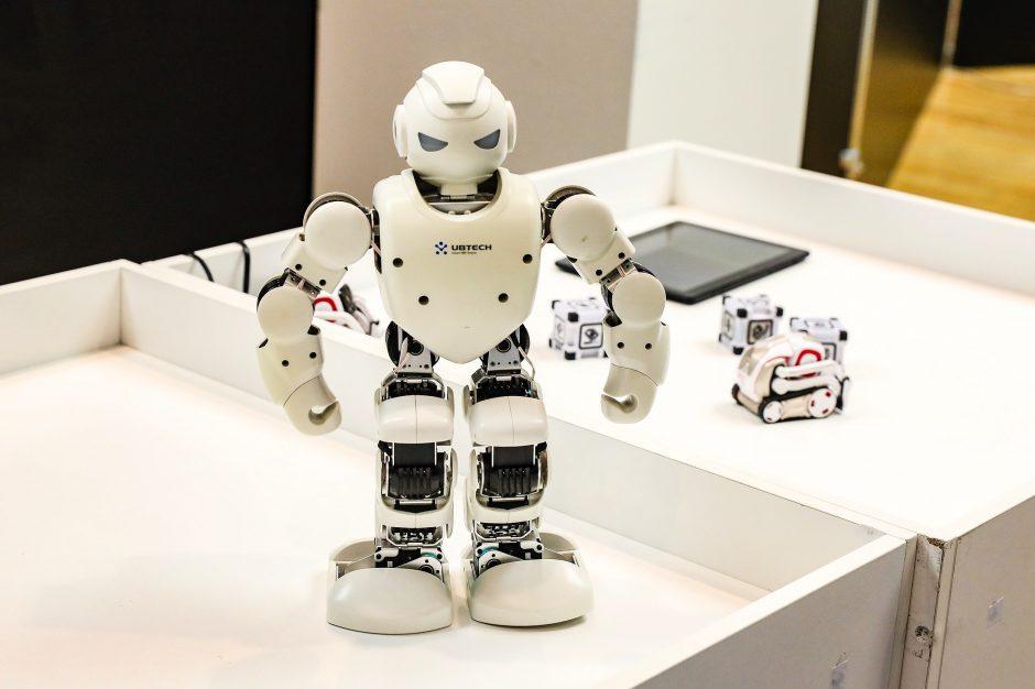 robotai prekiaujantys bitkoinais